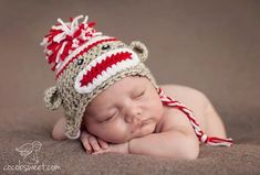 An adorable sock monkey crochet hat sized for any newborn. Yarn is acrylic with a white top, red tripe Crochet Hat Sizing, Crochet Baby, Crochet Patterns, Crochet Ideas, Sock Monkey Hat, Monkey Baby, Sock Monkeys, Baby Kostüm, Cute Words