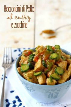 Healthy Recipes Bocconcini di pollo al curry e zucchine Food Design, Zucchini, Cooking Recipes, Healthy Recipes, Love Food, Italian Recipes, Chicken Recipes, Food Porn, Easy Meals