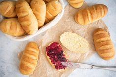 Mleczne bułeczki śniadaniowe Hot Dog Buns, Hot Dogs, Bread, Food, Brot, Essen, Baking, Meals, Breads