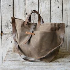 Super Roomy Large Waxed Canvas Tote Truffle antique par PegandAwl, $280.00