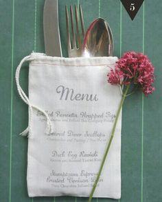Wedding Menú serigrafiado en una bolsa de tela.. personalizalo con tus iniciales.