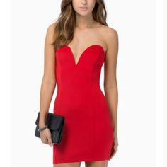 Red Valentine Bodycon Dress Never worn, form fitting, deep V front Dresses
