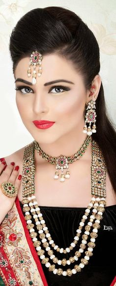 Indian Bridal makeup photos Upto certain return on every o. Bridal Makeup Looks, Indian Bridal Makeup, Indian Wedding Jewelry, Asian Bridal, Bridal Jewelry, Beautiful Bridal Makeup, Wedding Makeup, Beauty Full Girl, Beauty Women