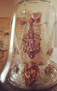 Easter Crown Workshop & Kit! www.swoonwithdebhodge.blogspot.com #swoonwithdebhodge #crown #vintage #glitter #downtonabbey #DIY #howto #cloche #Swarovski #brass