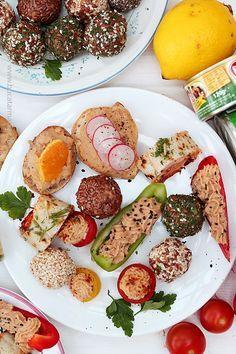 mix aperitive4 Finger Foods, Avocado Toast, Food And Drink, Beef, Cooking, Breakfast, Bite Size, Drinks, Restaurants