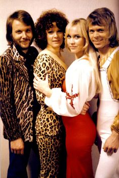 "Marzena Tarka, ""ABBA: fenomen i legenda"", Pascal, Bielsko-Biała 302 strony Abba Clothes, Abba Sos, Abba Mania, Rare Videos, Songs To Sing, 70s Songs, Female Singers, Kinds Of Music, Pop Music"