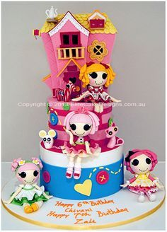 Our unique Lalaloopsy girl's birthday cake design, featuring all finely detailed, sugarcrafted house, dolls and pets!   Copyright © 2013
