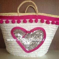 #capazo Corazón Fucsia grande mano www.rosanamolto.com#capazos #decorados #playa #denia