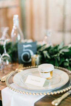 Rustic wedding: http://www.stylemepretty.com/2015/04/01/rustic-oregon-barn-wedding/ | Photography: Maria Lamb - http://www.marialamb.co/