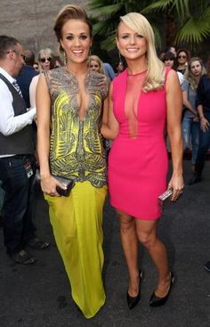 Carrie and Miranda at the 2014 Billboard Music Awards