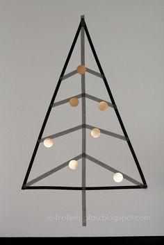 Masking Tape Weihnachtsbaum mit Kupferkugeln aus Schaumkussverpackung von Frollein Pfau