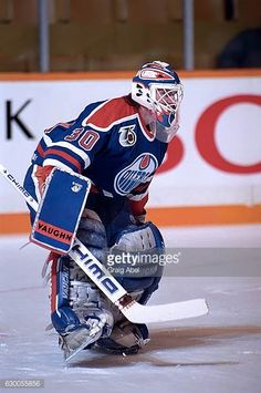 bill-ranford-of-the-edmonton-oilers-skates-in-warmup-prior-to-a-game-picture-id630055856 (406×612)