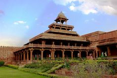 Panch mahal fatehpur sikri- 5 storeys.