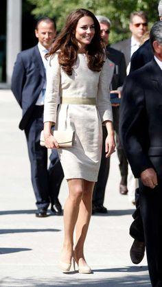 Three-quarter sleeve shirt, Kate Middleton dress style