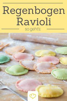 Ravioli in allen Farben des Regenbogens! Gefärbt haben wir nur mit Pflanzenfarbe: Spinat, Brokkoli, Safran und Tomatenmark