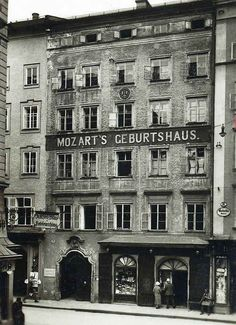 Mozart's birthplace in Salzburg. Austria, Classical Music, Art Music, Historical Photos, Vintage Photos, Germany, In This Moment, History, Architecture