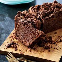 Cocoa-Carrot Cake with Cocoa Crumble | William Werner likes carrot cake but was curious to experiment with the classic. So he added cocoa to the batter, resulting in this moist loaf with a chocolaty crumb topping.