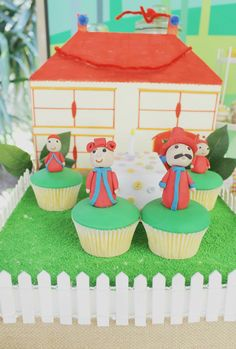 In the Night Garden cakes and Tombliboos biscuits Birthday ideas