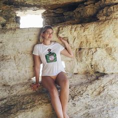 I just love that country. Check out my post! Summer Fashion Trends, Cyprus, Some Pictures, Travel Style, Just Love, White Shorts, Country, Check, Photos
