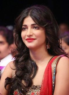 Tips And Tricks To Bring Out Your Natural Beauty - Skin Deep Beauty Tips Beautiful Indian Actress, Beautiful Actresses, Hot Actresses, Beauty Tips In Hindi, Lotion, Nagellack Design, Shruti Hassan, 54 Kg, Tom Tailor Denim
