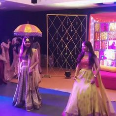 Indian Wedding Songs, Best Wedding Dance, Wedding Dance Video, Desi Wedding, Wedding Videos, Dance Choreography Videos, Dance Videos, Indian Wedding Photography Poses, Haldi Ceremony