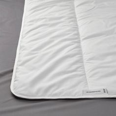 The lyocell/cotton fabric breathes so you stay comfy and dry, while the polyester/lyocell filling feels soft and fluffy. Enjoy an even sleeping temperature and a duvet that is very easy to care for. Ikea Quilt, Dust Mites, Good Night Sleep, That Way, Warm And Cozy, Comforters, Bed Pillows, Pillow Cases, Upcycling