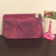 NWT large Estée Lauder makeup pouch Maroon makeup pouch by Estée Lauder. Open to offers! Estee Lauder Accessories