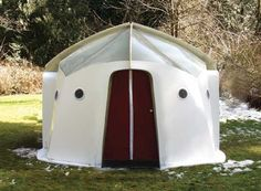 Recovery Huts: Durable Disaster Shelters Set up in a Snap