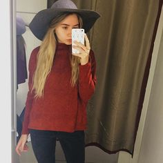 First day of October so obviously I'm looking very Autumnal  -- Sweater & Hat: @hm #hm #HMOOTD