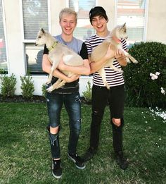 Colby Brock, Sam And Colby, Cole Sprouse Funny, Cute Youtubers, Colby Cheese, Phil Lester, Light Of My Life, Dan And Phil, Friend Photos