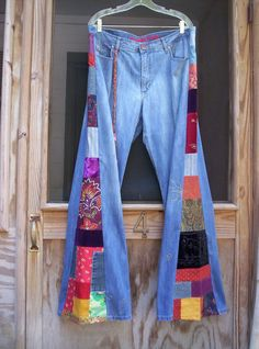 Custom bell bottoms you send yours patchwork hippie jeans pa Hippie Jeans, Hippie Style, My Style, Diy Jeans, Mother Jeans, Diy Clothing, Refashion, Pattern Fashion, Diy Fashion