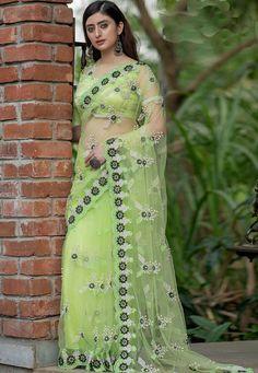 Lehenga Saree, Net Saree, Sari, Net Blouses, Indian Sarees Online, Back Neck Designs, Green Saree, Saree Look, Beautiful Saree