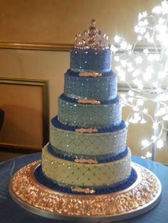 blue quinceanera cakes - or in my opinion a fab winter wedding cake Pretty Cakes, Beautiful Cakes, Amazing Cakes, Pear And Almond Cake, Almond Cakes, 16 Cake, Cupcake Cakes, Sweet 15 Cakes, Quinceanera Cakes