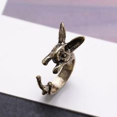Antique-style bunny ring