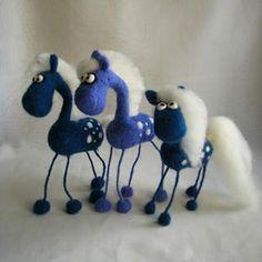 Три синих коня... #валяние #авторская_игрушка #интерьерная_игрушка #фельт #фильцнадель #войлок #закрома_родины #тыгыдымтыгыдым #вот_ты_какой_северный_олень #конь_в_пальто #handarbeit #handmade #needlefelting #my_toys #horse: