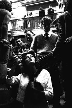 Anouk Aimée on the set of Lola photographed by Agnès Varda Cinema Actress, Cinema Film, Cinema Movies, Film Movie, Jacques Demy, Anouk Aimée, Agnes Varda, Vogue Photoshoot, French New Wave