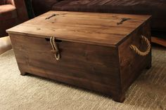 Rustic Wooden Chest Trunk Blanket Box Vintage Coffee Table Ottoman Rustikale Holz-Truhe Stamm Decke Box Vintage Couchtisch The post Rustic Wooden Chest Trunk Blanket Box Vintage Coffee Table Ottoman appeared first on Holz ideen. Wood Storage Box, Storage Trunk, Table Storage, Storage Room, Diy Storage, Deck Box, Blanket Box, Blanket Chest, Blanket Storage