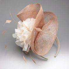 Fascinator in blush. Sinamay Hats, Millinery Hats, Fascinators, Headpieces, Fascinator Headband, Ascot Hats, Tea Party Hats, Kentucky Derby Hats, Church Hats