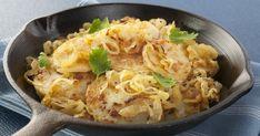 Serpenyőben, hagymával sült krumpli: még a főételnél is finomabb - Recept   Femina