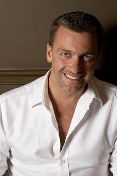 Dexter Season 7 - Ray Stevenson  Oh my Christ, my ovaries just can't take this face....smiling.  *swoon