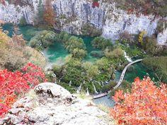 Herbstidylle pur in Kroatiens Nationalparks Plitvicer Seen und Krka. Für uns die perfekte Reisezeit. Hier alle Infos und Preise zum Besuch der Nationalparks