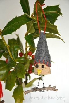Whats Ur Home Story: Bird Wine Cork Ornaments, handmade christmas ornament, DIY ornament, wine cork diy: