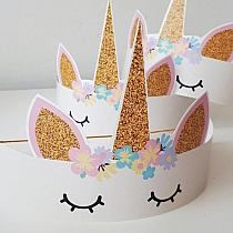 Unicorn Party: Check out Decorating Ideas for Your Event - Hanna party - Festa Unicorn Themed Birthday, Diy Birthday, Birthday Party Decorations, Unicorn Party Hats, Dinosaur Party, Dinosaur Birthday, Birthday Ideas, Kids Crafts, Unicorn Crafts