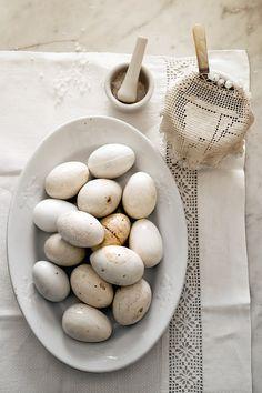 shades of cream: vintage eggs | Easter egg . Osterei . œuf de Pâques | @ livejournal |