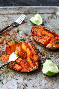 Hardly need a recipe for this one, that's my kind of cooking! - Mollie - Chili + Honey Roasted Sweet Potatoes With Lime Juice make for a perfect side dish or pre-run snack; they're hassle-free and oh-so-delish. Side Dish Recipes, Vegetable Recipes, Vegetarian Recipes, Cooking Recipes, Healthy Recipes, Cooking Videos, Recipes Dinner, Fall Recipes, Vegetarian Sandwiches