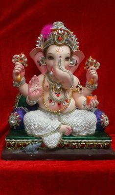 If you want to fulfil all desires, amass wealth and remove doshas, choose 32 forms of Ganesha Homam. The God of Wisdom is sure to protect and remove obstacles. Shri Ganesh Images, Ganesha Pictures, Shiva Parvati Images, Clay Ganesha, Ganesha Art, Ganesh Idol, Ganesha Tattoo, Ganpati Bappa Photo, Ganesh Bhagwan