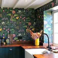 Quick and easy Kitchen updates that make an impact – Sophie Robinson Interior Designer Sophie Robinson's kitchen Boras Tapeter Rabarber bright floral and rhubarb plants on dark green background wallpaper Plant Wallpaper, Botanical Wallpaper, Wall Wallpaper, Wallpaper Wallpapers, Green Kitchen Wallpaper, Wallpaper Backsplash Kitchen, Wallpaper Direct, Modern Wallpaper, Wallpaper Ideas