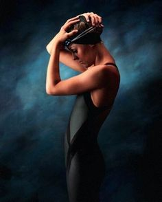 favorite picture of Hayley in High School. Swimming was really important to our relationship. Gave us something we could talk about - now we will have to find something else and that's okay too. Swimming Photography, School Photography, Sport Photography, Swimming Senior Pictures, Swimming Pictures, Swimming Drills, Competitive Swimming, Piscina Spa, Pilates