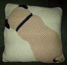 Hey, I found this really awesome Etsy listing at https://www.etsy.com/listing/188427296/pug-pillow-crochet-pattern