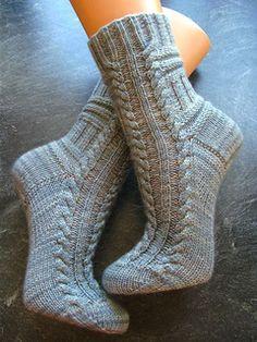 Knitting Socks, Baby Knitting, Mitten Gloves, Mittens, Ravelry, Slipper Socks, Slippers, How To Purl Knit, Knitting Projects